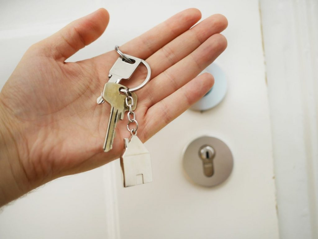 With Immediate Locksmith, you don't have to keep waiting outside for long.